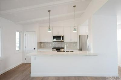 1009 9TH ST, Hermosa Beach, CA 90254 - Photo 2