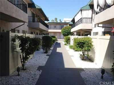 4533 COLBATH AVE APT 14, Sherman Oaks, CA 91423 - Photo 2