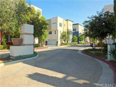 5751 ACACIA LN, Lakewood, CA 90712 - Photo 2