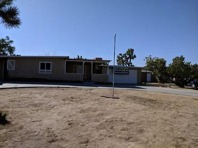 7740 JOSHUA VIEW DR, YUCCA VALLEY, CA 92284 - Photo 1
