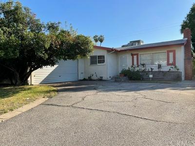 25419 33RD ST, San Bernardino, CA 92404 - Photo 2