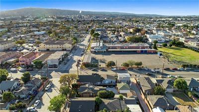 527 W G ST, Wilmington, CA 90744 - Photo 2