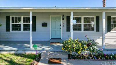 7706 PASO ROBLES AVE, Lake Balboa, CA 91406 - Photo 2
