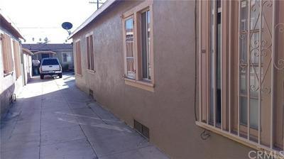 812 W 65TH ST, Los Angeles, CA 90044 - Photo 2