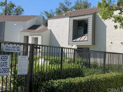 525 S RANCH VIEW CIR APT 57, Anaheim Hills, CA 92807 - Photo 2