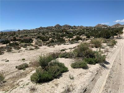 56835 COBALT RD, Yucca Valley, CA 92284 - Photo 2