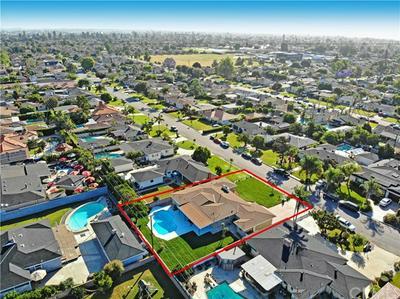 9935 RICHEON AVE, Downey, CA 90240 - Photo 2