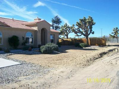 3893 LEXINGTON AVE, Yucca Valley, CA 92284 - Photo 1
