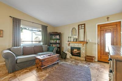 865 CALLE LA SOMBRA, Camarillo, CA 93010 - Photo 2