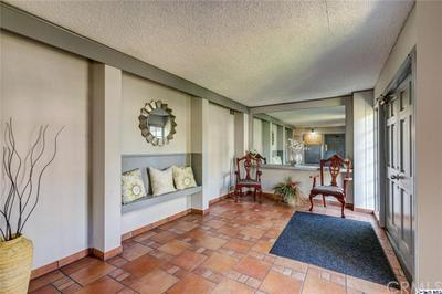 15322 WEDDINGTON ST APT 5, Sherman Oaks, CA 91411 - Photo 2