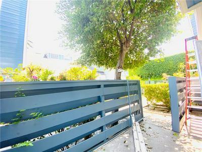 5921 TEMPLETON ST UNIT E, Huntington Park, CA 90255 - Photo 1