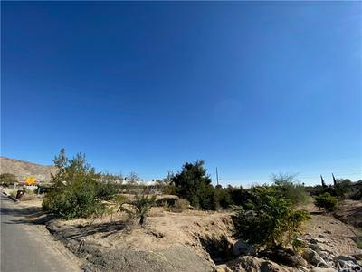 7393 BANNOCK TRL, Yucca Valley, CA 92284 - Photo 2