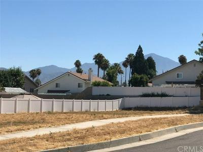 321 SILVERTREE LN, Redlands, CA 92374 - Photo 2