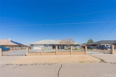 11555 PINON AVE, HESPERIA, CA 92345 - Photo 2