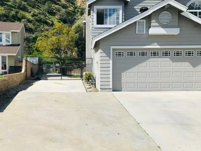 32363 MUSTANG DR, Castaic, CA 91384 - Photo 2