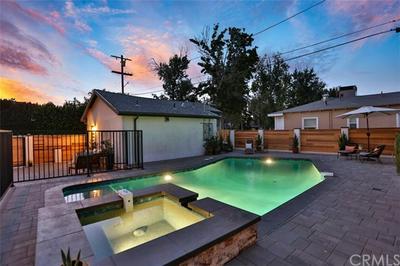 14725 WEDDINGTON ST, Sherman Oaks, CA 91411 - Photo 2