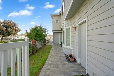 4600 EASTBOURNE BAY, Oxnard, CA 93035 - Photo 2