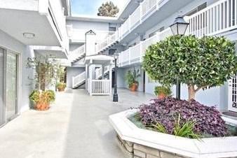 2411 PROSPECT AVE APT 124, Hermosa Beach, CA 90254 - Photo 2