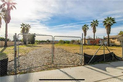 405 W MERRILL AVE, RIALTO, CA 92376 - Photo 1