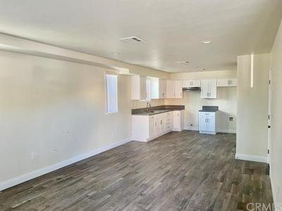 5752 10TH AVE, Los Angeles, CA 90043 - Photo 2