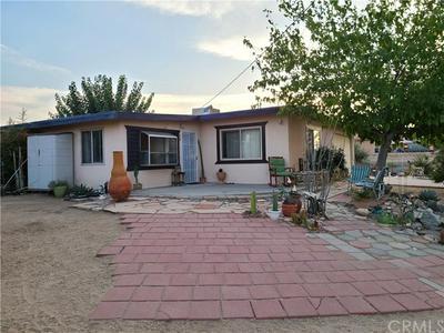 8759 ELATA AVE, Yucca Valley, CA 92284 - Photo 2