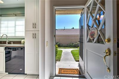 80 TIMBER RUN # 5, Irvine, CA 92614 - Photo 2