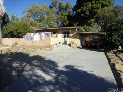573 W GILMAN ST, Banning, CA 92220 - Photo 2