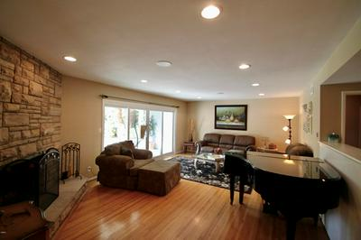 9441 LASAINE AVE, Northridge, CA 91325 - Photo 2