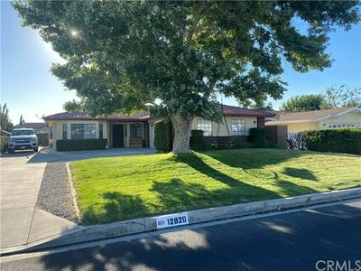 12820 CANDLEWICK LN, Victorville, CA 92395 - Photo 2