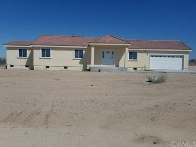 33304 165TH ST E, Llano, CA 93544 - Photo 1