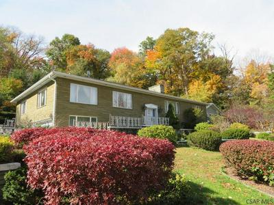 800 PARKVIEW DR, Johnstown, PA 15905 - Photo 2