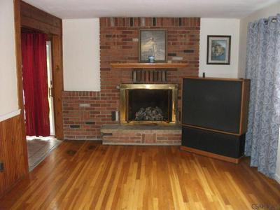 529 BLUFF ST, Johnstown, PA 15905 - Photo 2