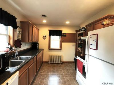 409 HORNET AVE, Johnstown, PA 15902 - Photo 2