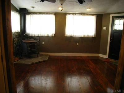510 NAYLOR RD, Johnstown, PA 15906 - Photo 2