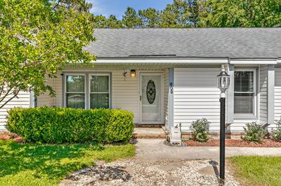 609 LONGLEAF RD, Summerville, SC 29486 - Photo 2