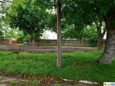 306 E POWER AVE, Victoria, TX 77901 - Photo 2