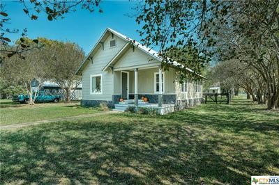 207 SAN JACINTO ST, Smithville, TX 78957 - Photo 1