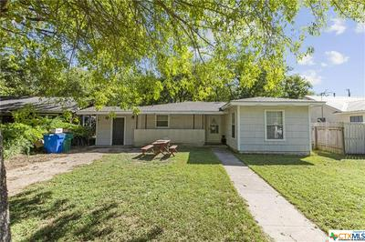 904 HACKBERRY ST, Taylor, TX 76574 - Photo 2