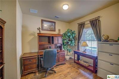 398 PECAN MDWS, New Braunfels, TX 78130 - Photo 2