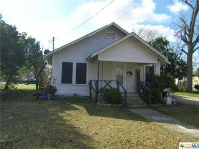 423 E CEDAR ST, Seguin, TX 78155 - Photo 1