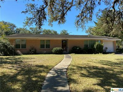 636 N SAN PATRICIO ST, Goliad, TX 77963 - Photo 1
