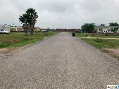 414 GOLDEN EYE LOOP, Victoria, TX 77905 - Photo 2