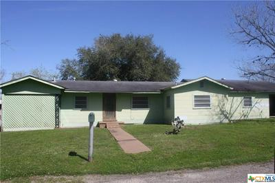 211 GREEN ST, Yoakum, TX 77995 - Photo 1