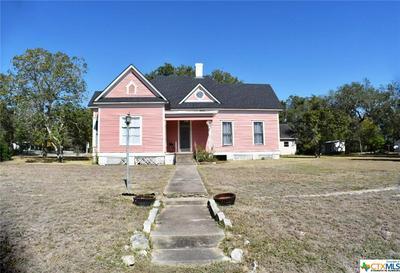 146 W GARDEN ST, Goliad, TX 77963 - Photo 2
