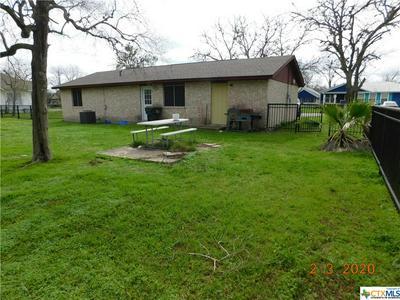 404 W SARAH ST, CUERO, TX 77954 - Photo 2