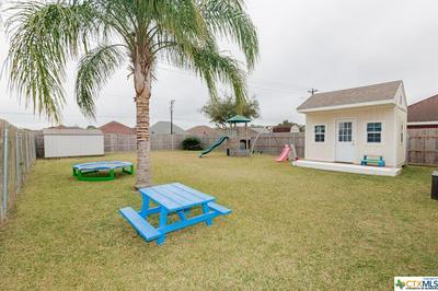 805 MASON CIR, Victoria, TX 77904 - Photo 2