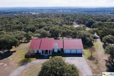 281 DIAMOND KNL, Spring Branch, TX 78070 - Photo 2