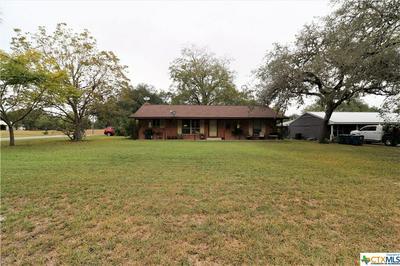 650 W OAK ST, Goliad, TX 77963 - Photo 2