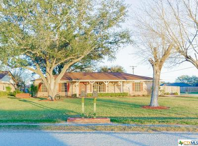 402 QUAIL CREEK DR, Victoria, TX 77905 - Photo 1