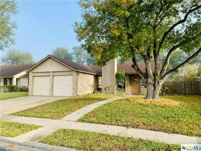 304 QUEENSWOOD TRL, Victoria, TX 77901 - Photo 2